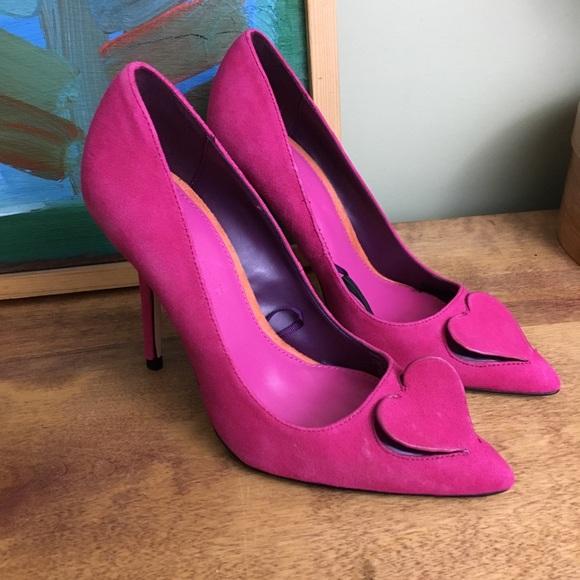 68b5a33b0e8 Zara Woman Pink Cutout Heart Valentine Heels 36
